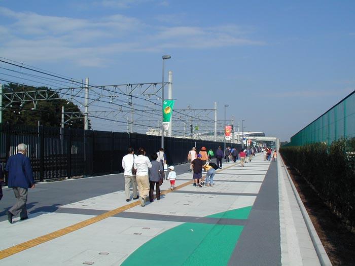 「浦和美園駅 埼玉スタジアム 道路」の画像検索結果